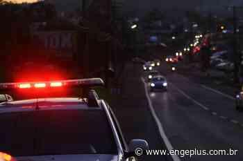 Ronda policial Motociclista fica ferido após colisão frontal contra caminhão em Orleans - Engeplus