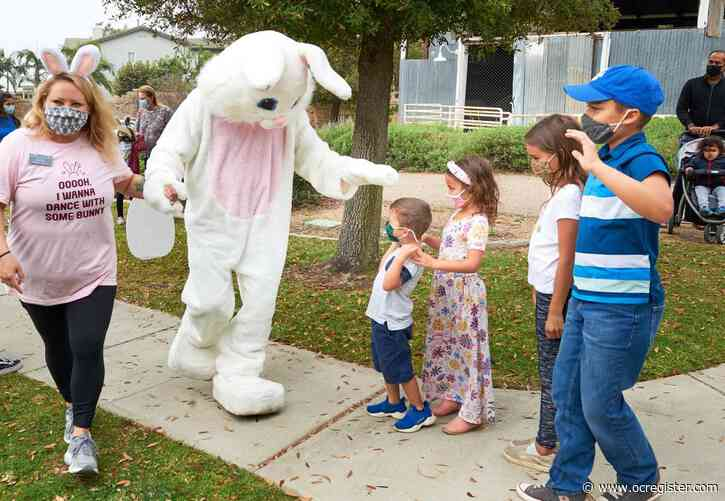 Orange County hops to it for some Easter fun