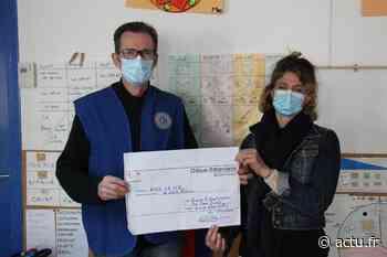 Yvelines. Voisins-le-Bretonneux : le Lions offre 1 000 euros à une école pour handicapés mentaux - actu.fr