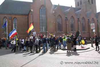 """Betoging tegen """"coronadictatuur"""": """"We willen de mensen wakke... (Baarle-Hertog) - Het Nieuwsblad"""