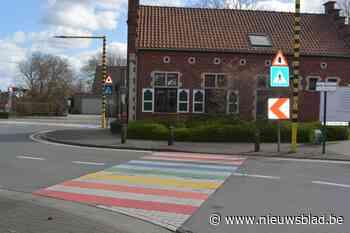 Gemeente plant regenboogzebrapaden op eigen wegen (want op g... (Oosterzele) - Het Nieuwsblad