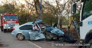 Sucesos 2021-03-19 Mujer embarazada muere tras choque contra un camión en Tecoluca, San Vicente - Solo Noticias