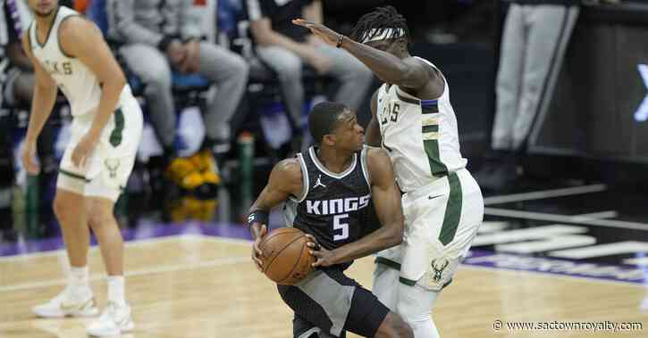 Kings' fourth-quarter comeback falls short against Bucks