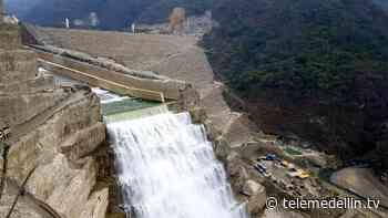 Primer puente-grúa en la casa de máquinas del proyecto Hidroeléctrico Ituango - Telemedellín