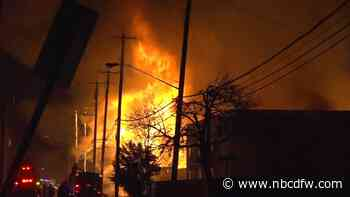 4 Apartment Buildings Under Construction Destroyed in Old East Dallas Fire