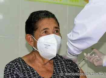 Inmunización contra el COVID-19: En Hatonuevo, ya se vacunó la primera adulta mayor - Diario del Cauca