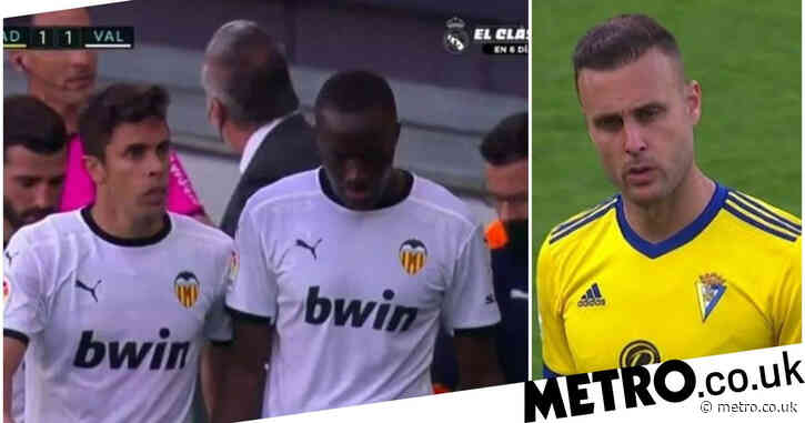 Valencia forced to play on after Mouctar Diakhaby accuses Cadiz player of racism