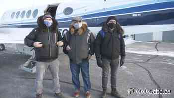 Nunavut officials mark COVID-free 'milestone' with trip to Arviat - CBC.ca