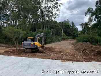Construção de nova travessia na rua Linea Maria Gewehr, em Nova Hartz, está na reta final - Jornal Repercussão