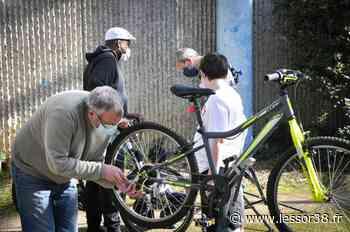 Villefontaine propose des ateliers aux jeunes sur l'utilisation du vélo - Essor Isère
