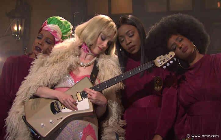 St. Vincent gets a new signature guitar model ahead of new album release