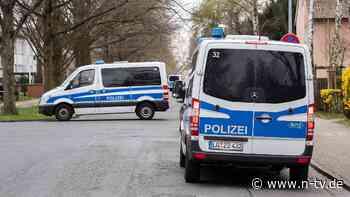 """""""Drohkulisse"""" gegen Landeschef: Polizei schützt Weils Haus vor """"Querdenkern"""""""