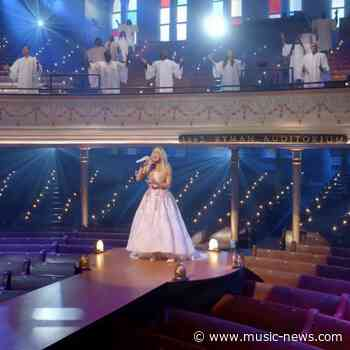 Carrie Underwood raises $100k for Save The Children with My Savior live-stream