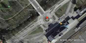 """Google Maps reagiert mit Verspätung auf Hinweise aus Quedlinburg: Statue vor dem Bahnhof heißt nun korrekt """"Die Göttin Flora"""" - Mitteldeutsche Zeitung"""