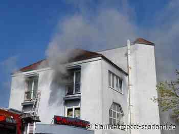 Sechs Personen werden bei Wohnhausbrand in Dillingen verletzt - Blaulichtreport-Saarland