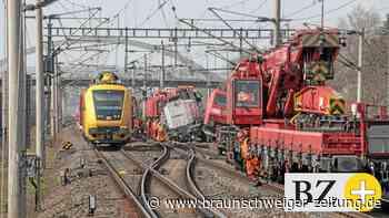 Loks waren kollidiert : Zugunglück bei Wolfsburg - Laut Bahn kaum noch Verspätungen