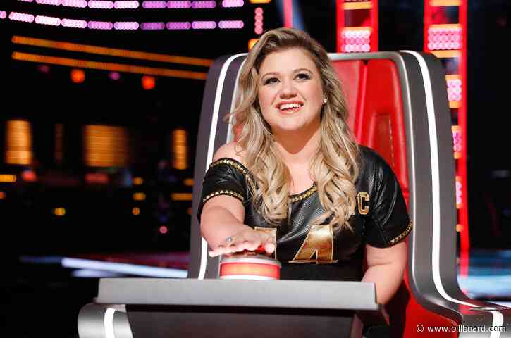 Kelly Clarkson Reveals the One Song She's 'Afraid to Cover'