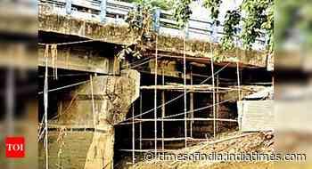 KMDA starts 60-year-old Kalighat bridge repairs