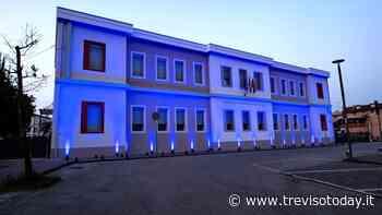 Giornata Mondiale dell'autismo: Silea colora di blu la scuola Vivaldi - TrevisoToday