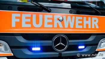 Braunschweig: Auto und Motorräder gehen in Flammen auf - NDR.de