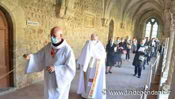 Une procession de jeudi saint recueillie à Elne - L'Indépendant