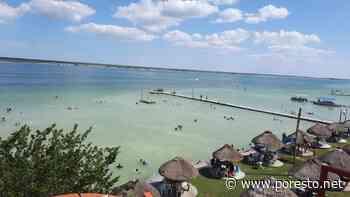 Turistas visitan la Laguna de Bacalar y no encuentran los tonos turquesa - PorEsto