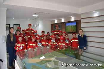 Bombeiros Mirins de Barracão visitam o Consórcio Machadinho e fazem integração em Piratuba | Jornal Bom Dia - Jornal Bom Dia