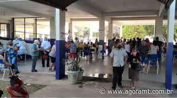 Filas marcam vacinação na escola Pindorama, Prefeitura estuda alternativas. - AGORA MT - AgoraMT