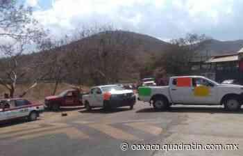 Bloquean carretera a Puerto Escondido por falta de vacunas anticovid 17:43 Alondra Olivera - Quadratín Oaxaca