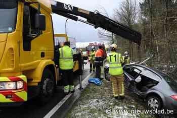 Ongeval Westmalle: bestuurder gekneld en gewond naar ziekenhuis gebracht - Het Nieuwsblad