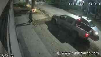 Balacera en Llavallol: quisieron robarle la camioneta y respondió a los tiros - Minutouno.com