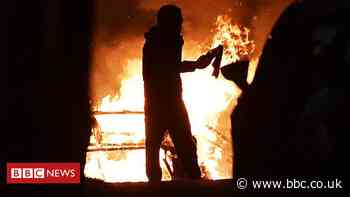 PSNI say 41 officers injured during NI rioting