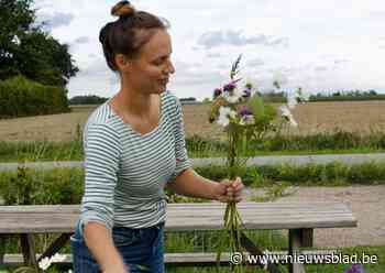 """Met pluktuin FleurAkker maakt Annemie (41) haar kinderdroom waar: """"Hier krijgt de klant er een ervaring bij"""""""