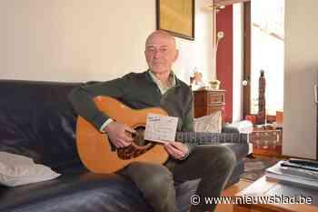 """Frans brengt met verzamel-cd hulde aan zijn 'tovenaarsdorp': """"Volkse liedjes met een vleugje nostalgie"""""""