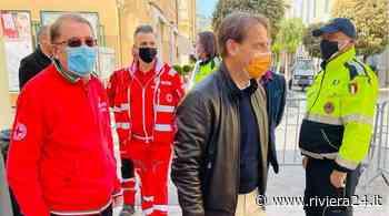 Diano Marina, l'assessore regionale Marco Scajola in visita al centro vaccini - Riviera24