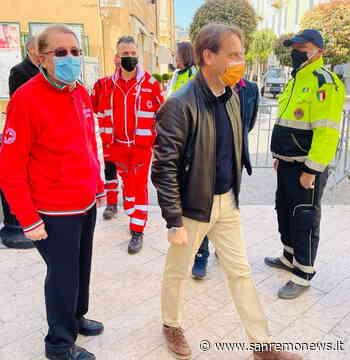 Diano Marina: l'Assessore Regionale Marco Scajola ieri mattina in visita centro vaccinale contro il Covid-19 - SanremoNews.it