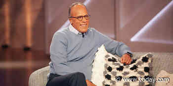 Cool grandpa Lester Holt shows off his bass skills on 'Kelly Clarkson Show'