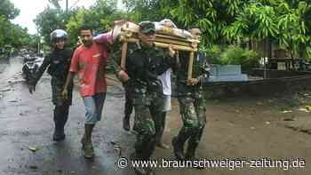 Suche nach Vermissten nach Unwetter in Indonesien