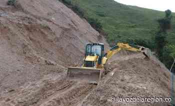 Labores de recuperación de vías afectadas por el invierno en Baraya - Huila