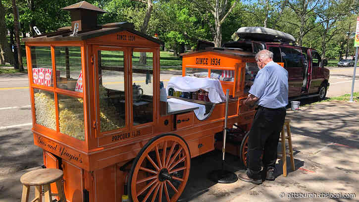 Gus And YiaYia's Iceball Cart Returns To North Side