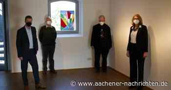"""Glasmalerei-Museum Linnich: Karl-Heinz Schumachers Glas-Erstlingswerk """"Big City"""" zu sehen - Aachener Nachrichten"""