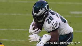 Jordan Howard returns to Eagles