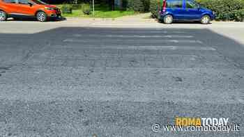 Colli Aniene: le strisce pedonali sono sparite, tra asfalto dissestato e buche