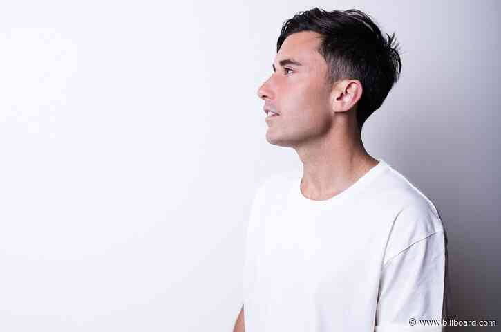 Phil Wickham Tops Christian Airplay Chart With 'Battle Belongs'