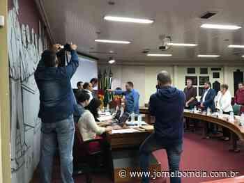 Notícias | Notícias: suplente-santarem-assume-a-sessao-na-camara-de-vereadores - Jornal Bom Dia