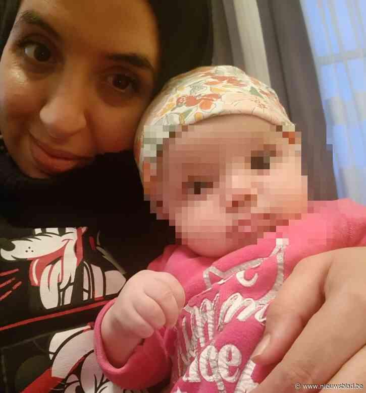 Kinderziekenhuis stuurt Nora (37) met drie maanden oude dochter Sara wandelen, even later ligt ze aan de zuurstof met 41,6 graden temperatuur
