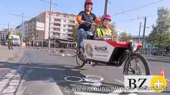 Fahrrad-Demo auf Bohlweg und Wendenstraße