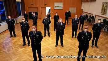Feuerwehr Flechtorf  ehrt treue Mitglieder