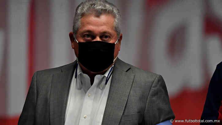 Chivas: directiva y jugadores no entienden a Vucetich