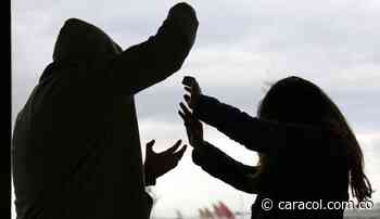 Hombre quemó el rostro de su compañera sentimental en Caicedonia - Caracol Radio